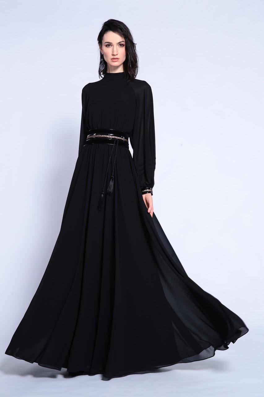 Длинное чёрное платье